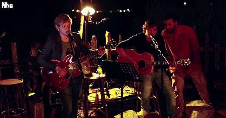 #RanbirKapoor sings for the crew at the Corsica wrap party! #SajidNadiadwala  #ImtiazAli  @deepikapadukone