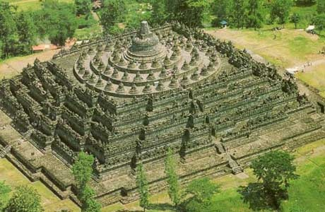 Borobudur is the biggest temple in Indonesia. It is located in Magelang, Central Java, about 100 miles southwest of Semarang and 40 km north of Yogyakarta Borobudur ever been established as one of the World Heritages by UNESCO.