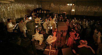 Clärchens Ballhaus in Berlin (big) | Lets dance, Jazz