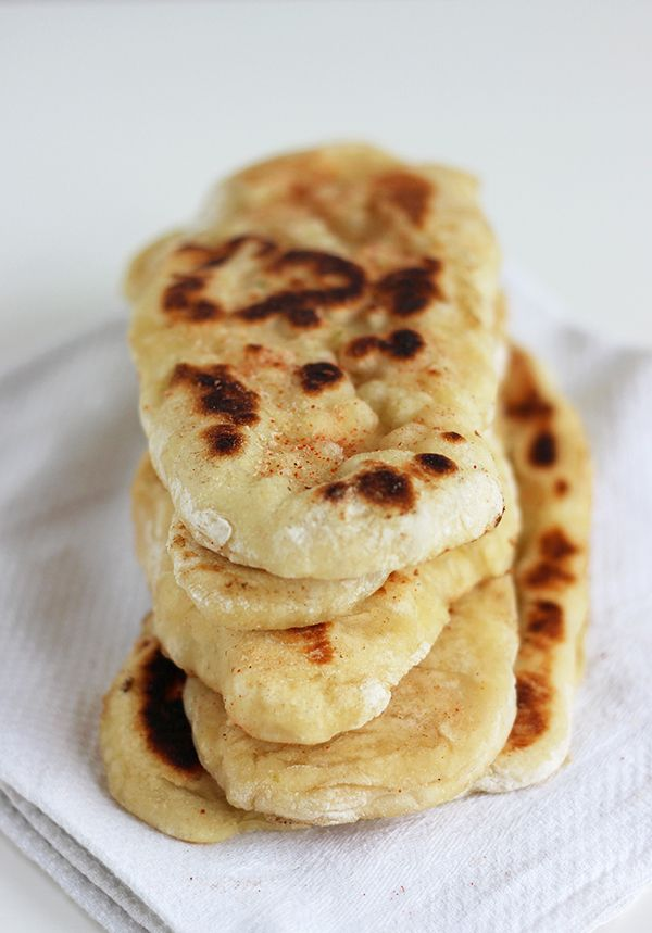 Chlebki naan z woka