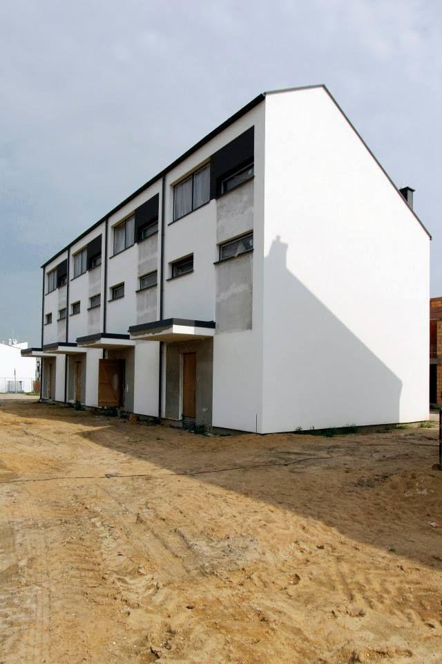 Powierzchnia mieszkań wynosi od 68 do 90 m² :)
