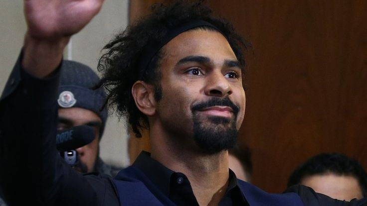 David Haye edgy but Tony Bellew must be perfect to win in London    BBC Sport's boxing correspondent talks about an on-edge David Haye, Tony Bellew's challenge and Amir Khan's surprise.   http://www.bbc.co.uk/sport/boxing/39122111