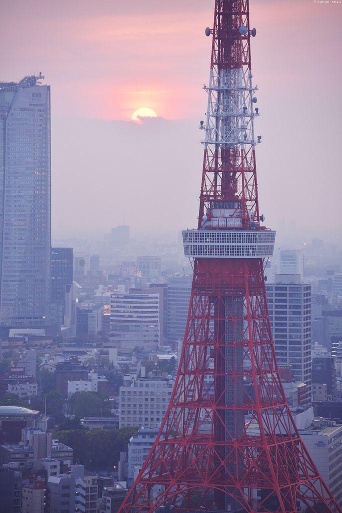夕暮れの東京タワー︱Tokyo Tower at Sunset - Iyhon Chiu
