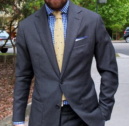 Blue suit blue shirt yellow tie the for Blue suit grey shirt
