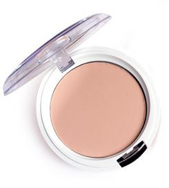 Natural Silky Transparent Compact Powder | Seventeen Cosmetics Face powder for a transparent, matte finish. Suitable for all skin types. #Seventeen #Cosmetics #facepowder #makeup