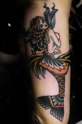 25 best ideas about traditional mermaid tattoos on for Mermaid tattoos pinterest