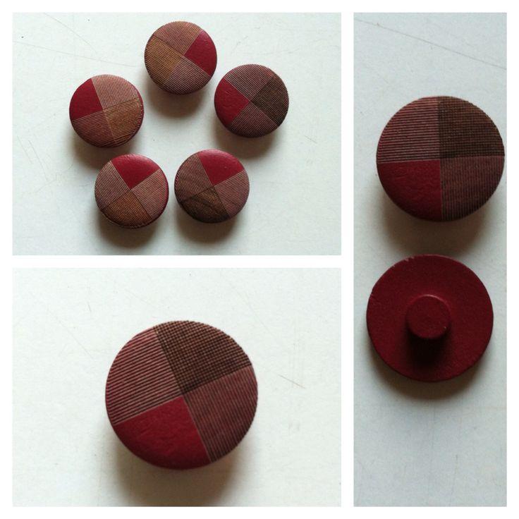 Botones de madera tallados - 2cm de diámetro - $1.000 bolsa de 5 unidades #botón #botones #buttons