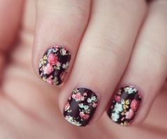 Nail polish #floral
