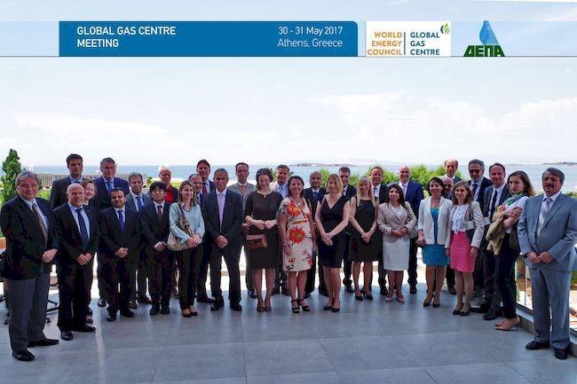 H ΔΕΠΑ φιλοξένησε το Global Gas Center Meeting σ Στην Αθήνα 30-31/5/2017 πραγματοποιήθηκε η ετήσια συνάντηση εκπροσώπων του Global Gas Center για το έτος 2017. Στις εργασίες συμμετείχαν εκπρόσωποι σημαντικών ενεργειακών εταιριών και οργανισμών από ΗΠΑ, Μ. Βρετανία, Γαλλία, Ισπανία, Γερμανία, Ρωσία, Ελβετία, Ισλανδία, Κύπρο, Νορβηγία και Βέλγιο.