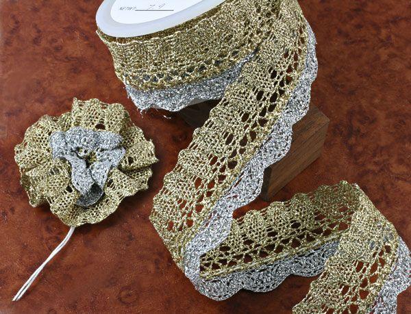 Flower lace (Glitter gold and silver ) / 1meter      Lace ini digunakan untuk membuat hiasan bunga, biasa dipakai di baju, tas, atau kartu undangan, maupun hiasan fashion lainnya. #ID1174