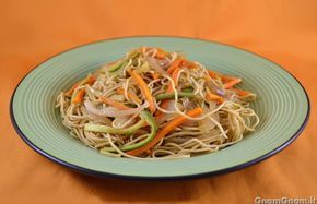 Spaghetti cinesi alla piastra - Gnam Gnam