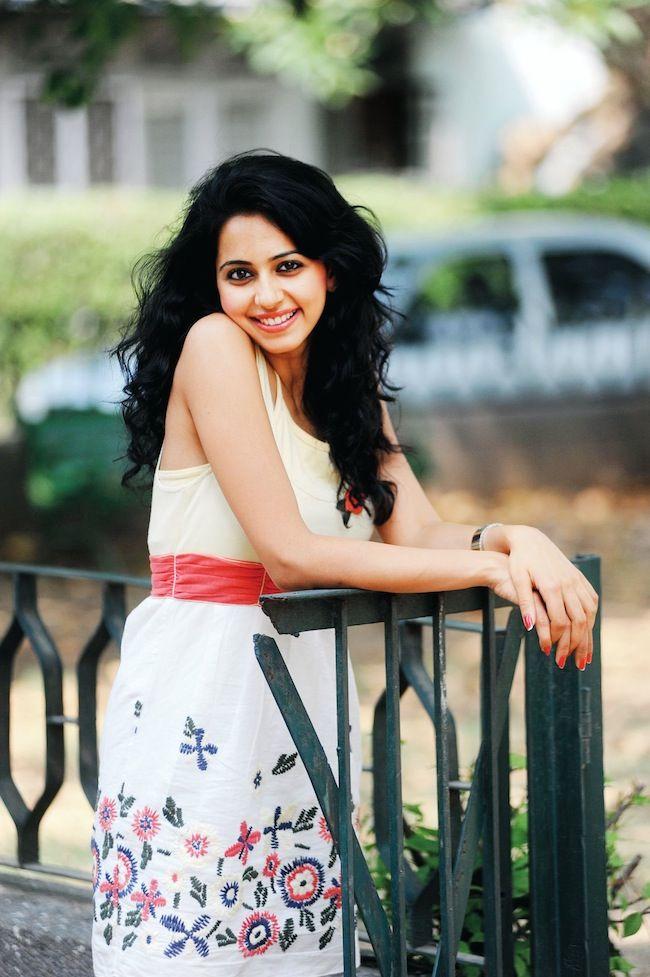 Yaariyan hottie Rakul Preet Singh sexy pose #Style #Bollywood #Fashion #Beauty