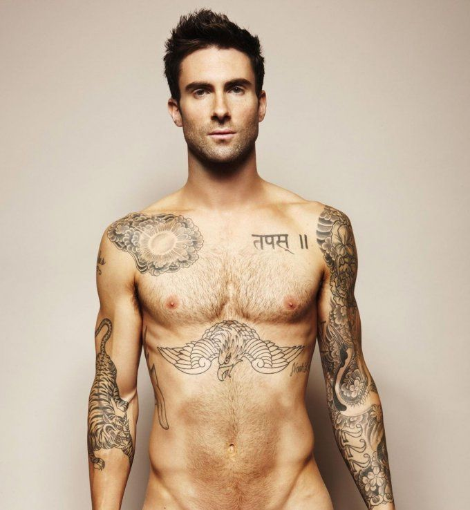 Tatouage sexy pour homme : les tatouages artistiques d'Adam Levine