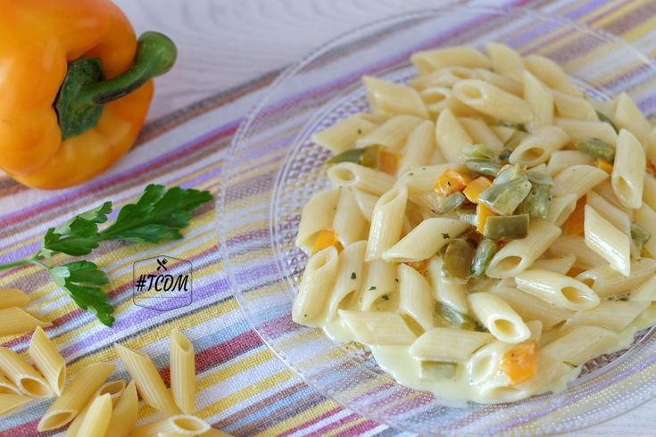 Veloce, facile e gustosa: ecco come descrivere alla perfezione la pasta con mascarpone e peperoni! Perfetta per chi va di corsa