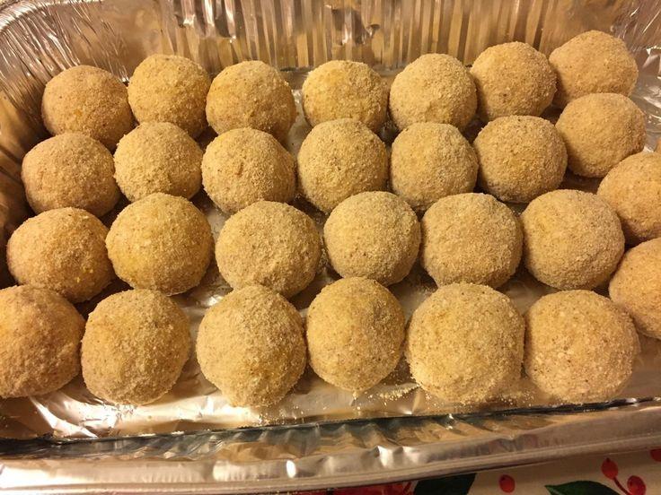 Italian Rice Balls Recipe w/ Meat Sauce and Mozzarella Cheese!