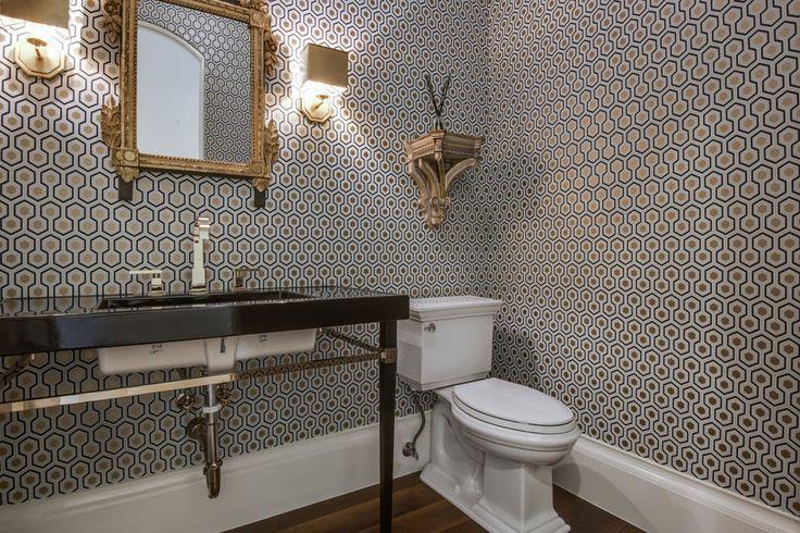 Обои для ванной комнаты: плюсы и минусы, виды, дизайн, 70 фото в интерьере-23