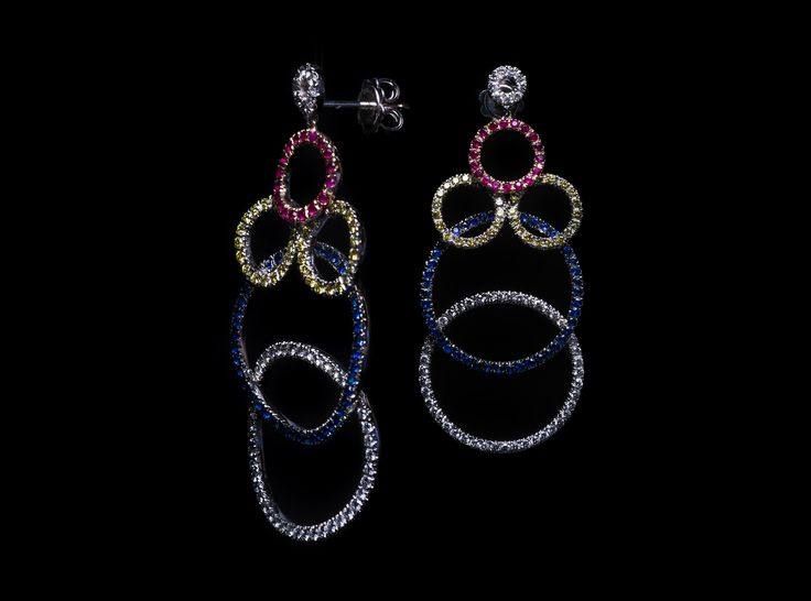 Taormina Earring- #digregorio_milano #digregoriogioielli_milano #whitediamonds #yellowdiamonds #sapphires #rubies #colourfull #multicolor #whitegold #earring #geometries #jewel #jewellery #finejewellery #luxury
