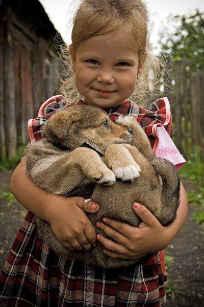 """""""No hay nada, ni siquiera un libro, que enseñe a amar. El amar es un sentimiento que nos sale del corazon, es tan puro y tan desigual a cualquier sentimiento del ser humano; sin duda, si uno ama libera todo lo mejor de si"""" """"Con los animales pasa lo mismo, no se le puede enseñar a un niño a amar a los animales, sino que hay que enseñarles a respetarlos y con el tiempo ese respeto se transformara en AMOR"""""""