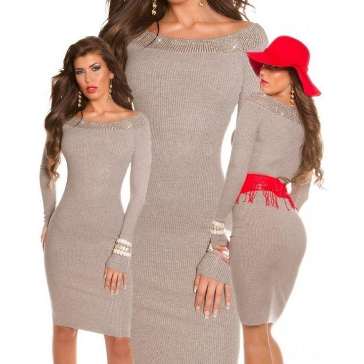 Вязаное платье со стразами по вороту