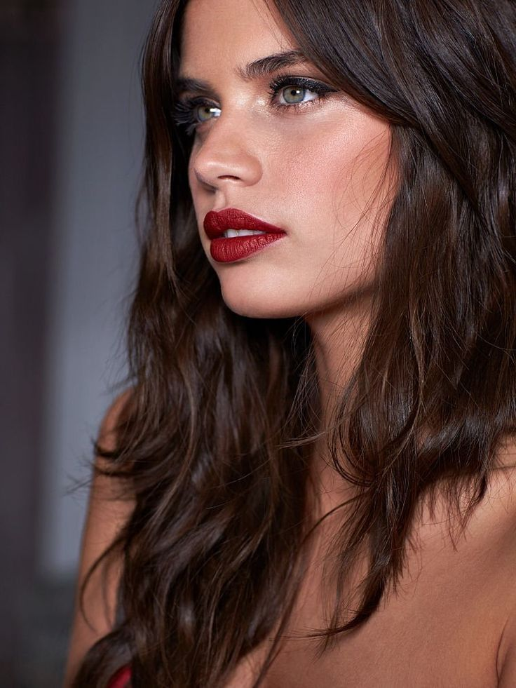 Makeup Artist ^^ | https://pinterest.com/makeupartist4ever/  Sara Sampaio for VS