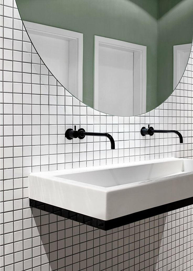 Halle A, Hamburg, 2013 Love the white tile with dark grout and simple modern fixtures
