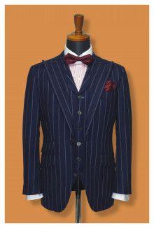 【挙式用タキシード】フォーマル感を高めるピークドラペルの三つ揃えスーツ|結婚式の新郎タキシード|新郎衣装はメンズブライダルへ-2ページ目