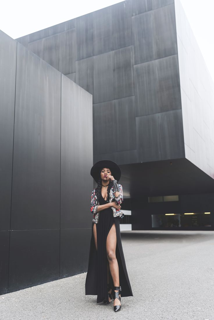 -Wallace-Yolicia-swiss-bloggers-how-to-wear-boho-chic-style-2015-floppy-hats-LBD