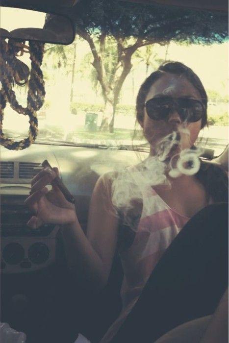 yupCool Weed Pictures, Blunt Smoke, Weed Smoke Pictures, Marijuana Cannabis, High Life, 420, Roads Trips, Girls Smokers, Eye