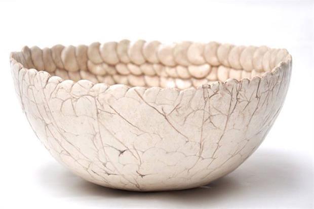 Tazas, platos, fuentes y objetos deco con el valor de lo artesanal.  /Gentileza ThiaraK