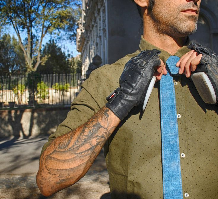 Denim & Skate  #modular #accessory #necktie #madeinitaly #noknots #tie #cravatta #man #style #double #side #eclectic #eclepti