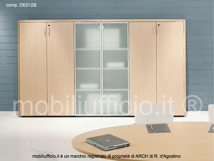 comp. DE012B - #armadio #contenitore #archivio 6 ante altezza intermedia con vetrina centrale e tre ripiani interni per ogni elemento.