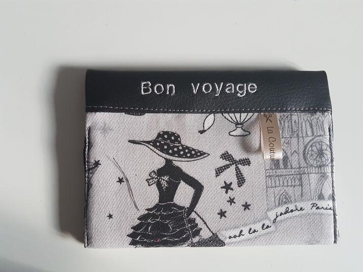 """étui passeport avec 2 compartiments à cartes simili cuir noir et tissu """"Paris"""", travail soigné. : Etuis, mini sacs par lacouturedannie"""