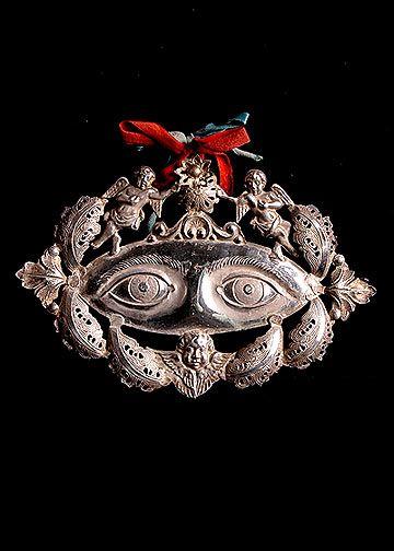 objet : Ex-voto italien, métal, argenté, oeil, anges, masque