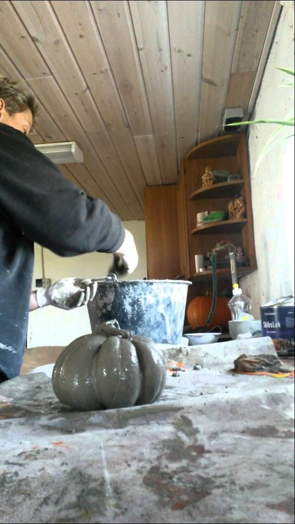 Pumpkin Could be made with hypertufa? I can't understand her but I think I get…