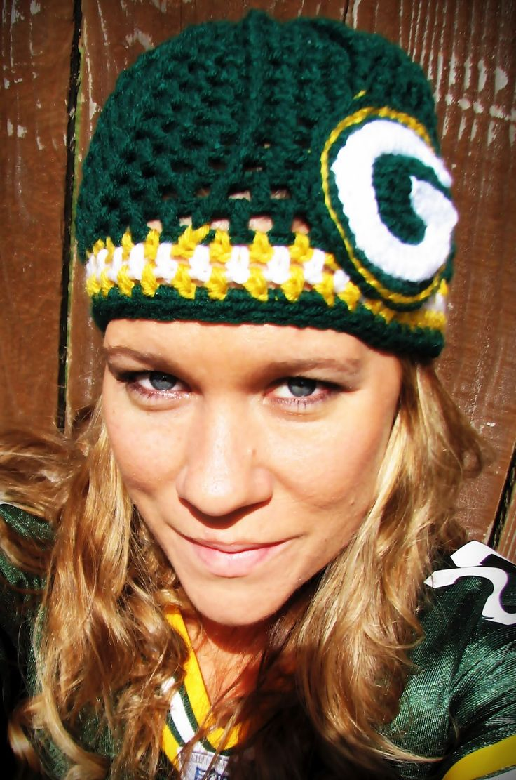 Green Bay Packers Crochet Cap. Guess Knitting will have to wait, going to have to pick up crocheting.
