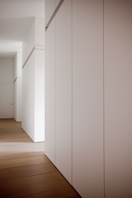opberg-oplossing voor lege muren naar keuken toe