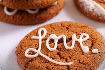 Decorated Ginger Biscuits | Huletts Sugar