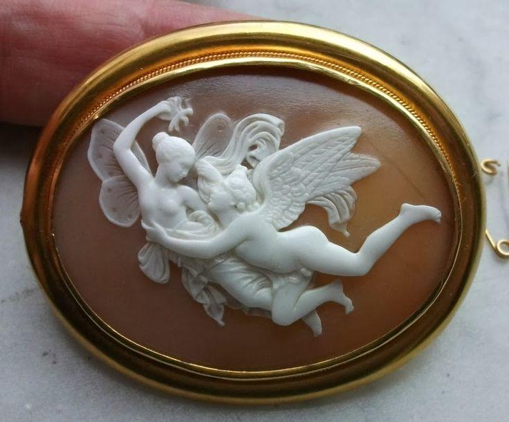 Cupid & Psyche | sardonyx shell, gold, by Saulini, Italy, ca.1860