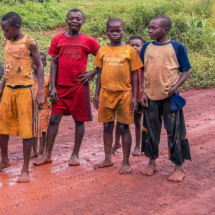 39  1 highlights of our trip until now: #7 Children examining the Vespa (Congo) #kids #jungle #Congo #Brazzaville #Africa #overland #travel #rtw #trip #Vespa #AroundTheWorld #natgeotravel #worldvespa by worldvespa http://bit.ly/AdventureAustralia
