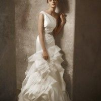 oncewedcom find great deals on used wedding dresses by vera wang claire pettibone