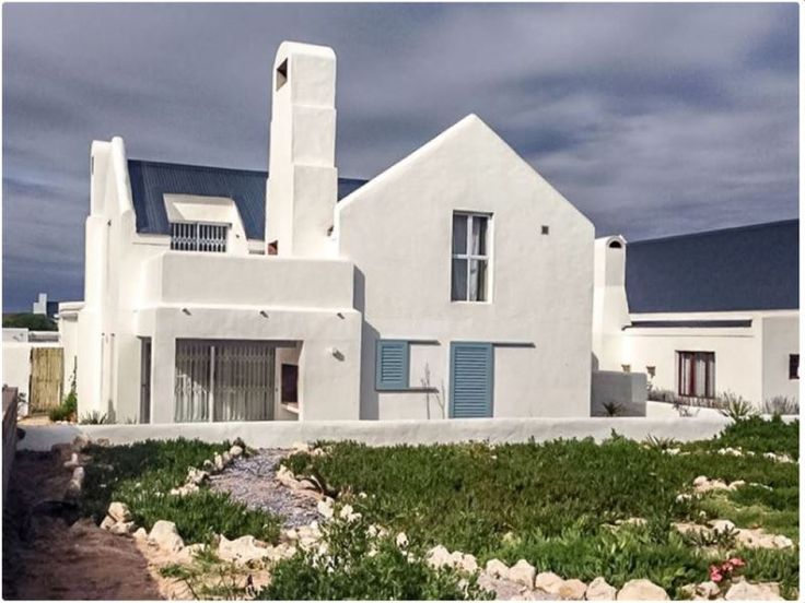 Anemone - Anemone is a spacious, self-catering house, conveniently located 100 meters from the beach. This beautiful family house can comfortably accommodate eight guests in two double rooms and two twin rooms, ... #weekendgetaways #paternoster #westcoast #southafrica