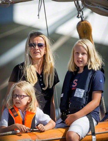 (L-R) Princess Mabel with her two daughters, Countess Luana and Countess Zaria sail on the Groene Draeck during Sail 2015 in Amsterdam, The Netherlands, 22 August 2015.