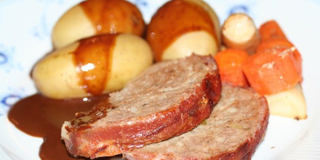 Langtidstegt forloren hare i stegeso, som holder på saften og smagen og giver en god sauce.