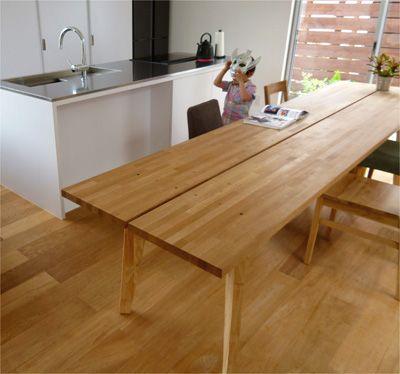 パラレルテーブル 空間に合わせてデザインした全長3mのダイニングテーブル