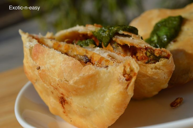 exotic-n-easy cooking: Onion Kachori (Deep fried Indian onion bread)