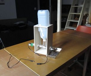 DIY automatic fish feeder for aquaponics #aquaponics #cool