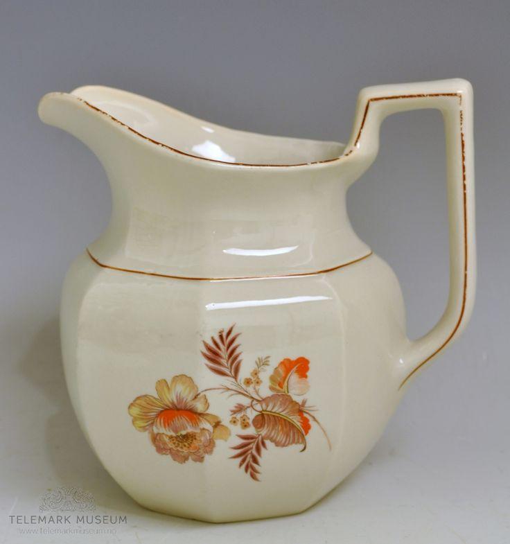 Mugge av porselen - melkemugge.  Porsgrund Porselen. Produksjonsår: 1919-1931