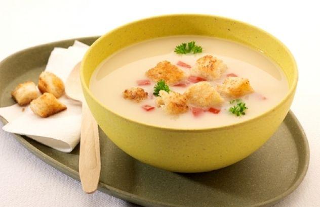 Broodsoep met tomaten en knoflookcroutons - Lekker van bij ons !