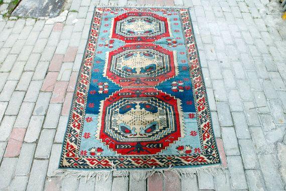 Tapis Vintage anatoliennes bleu tapis turcs par NotonlyRugs sur Etsy