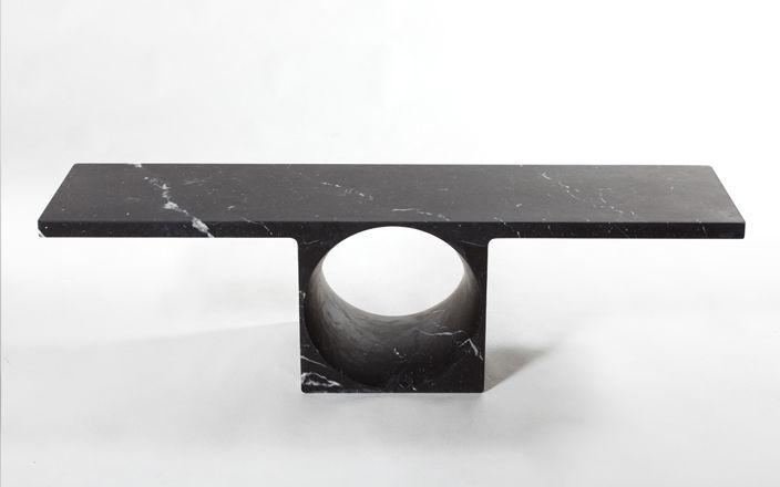 Piece Contemporain Mc Low Table Noire | Galerie kreo